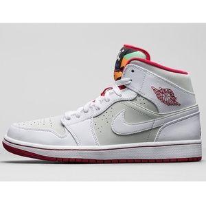 purchase cheap 33766 f2e18 Jordan Shoes - Nike Air Jordan 1 Retro Mid WB Hare Bunny 7y